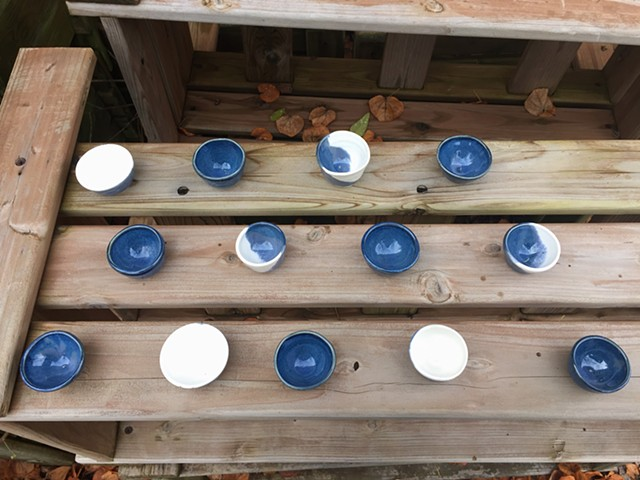 Blue ad White Glazed Porcelain Bowls (View 3)