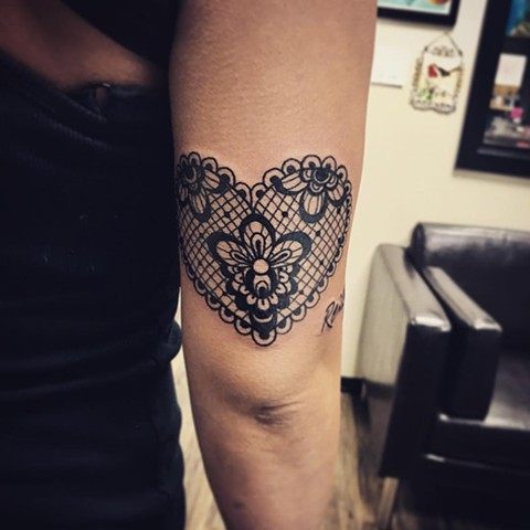 Lace Heart Tattoo By Jess Alther Black And Grey Black Gold Tattoo Co