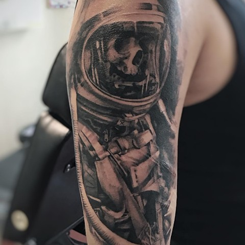 Spaceman Tattoo By Alan Coates Black And Grey Black Gold Tattoo Co