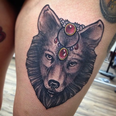 Wolf With Jewels Tattoo By Chad Clothier Black And Grey With Color Black Gold Tattoo Co