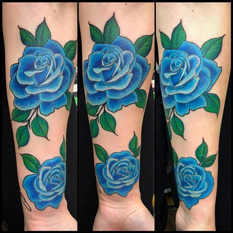 Roses Tattoo By Jess Alther Color Black Gold Tattoo Co