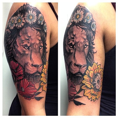Lion With Flowers Tattoo By Chad Clothier Black And Grey Black Gold Tattoo Co