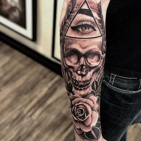 Skull w/ Eye and Rose Tattoo By Romeo Ostiguy Black And Grey Black Gold Tattoo Co