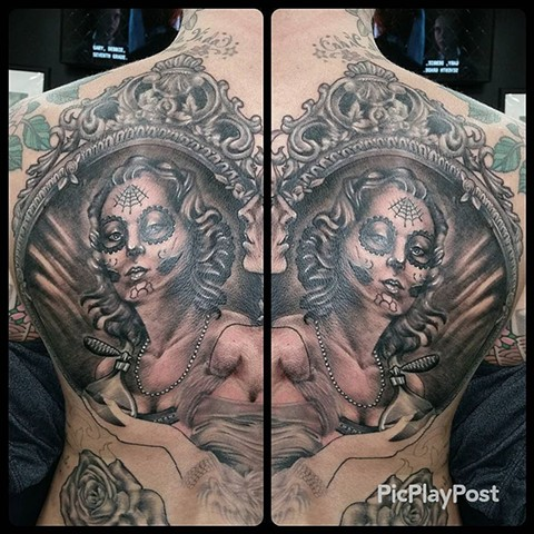 Day Of The Dead Girl In Vanity Mirror Tattoo By Ashley Hoff Black And Grey Black Gold Tattoo Co