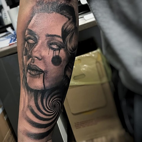 Trippy Woman Tattoo By Alan Coates Black And Grey Black Gold Tattoo Co.