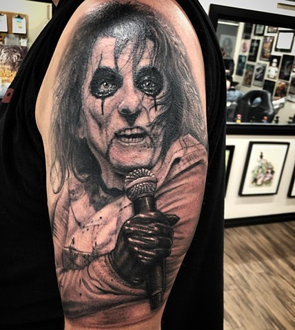 Alice Cooper By Steve Hayes Black And Grey Black Gold Tattoo Co