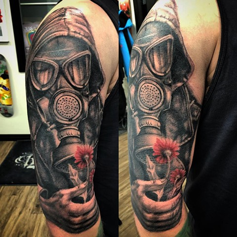 Halo Tattoo By Steve Hayes Black And Grey With Color Black Gold Tattoo Co