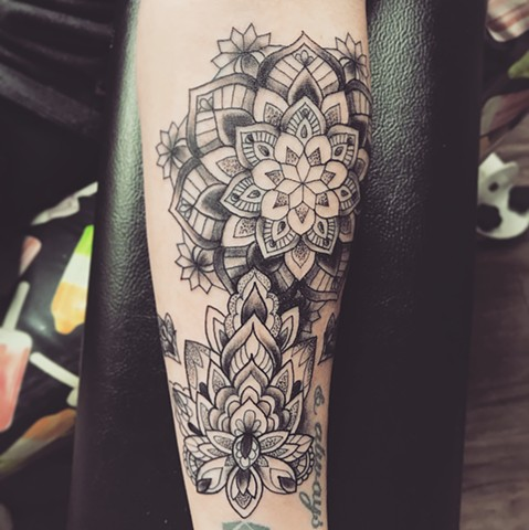 Mandala Tattoo By Jess Alther Black And Grey Black Gold Tattoo Co