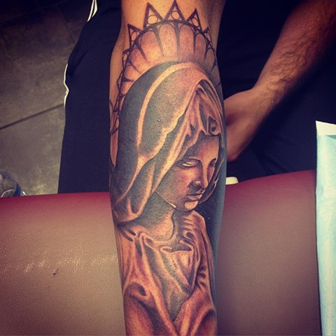 Mary Tattoo By Kyiel Cholik Black And Grey Black Gold Tattoo Co