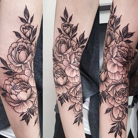 Roses Tattoo By Sasha Roussel Black And Grey Black Gold Tattoo Co