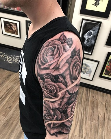 Roses Tattoo By Steve Hayes Black And Grey Black Gold Tattoo Co