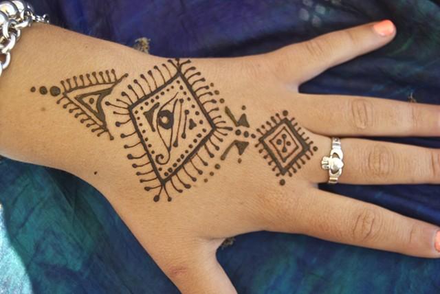 Henna Hand design- the Watchful Eye-Moroccan style