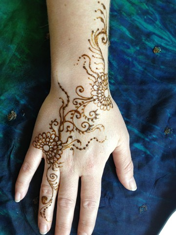 Floral and swirls, Henna hand design