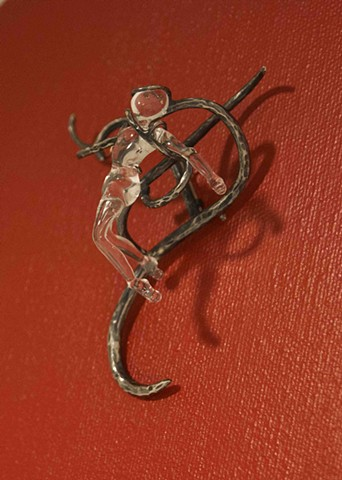 Breaking Free (Brooch)