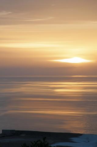 l'alba sul mare