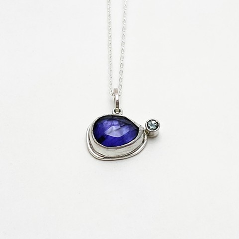 Rose Cut Iolite and Sapphire Necklace