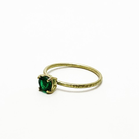 Emerald and 18KY Gold Ring