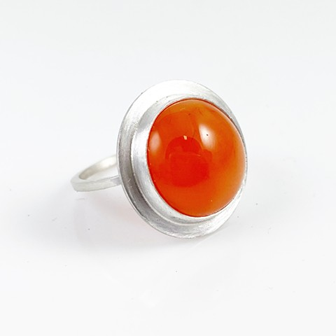 Carnelian cabochon and sterling silver ring