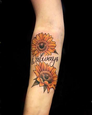 Mackenzie Meyers - Sunflower Tattoo