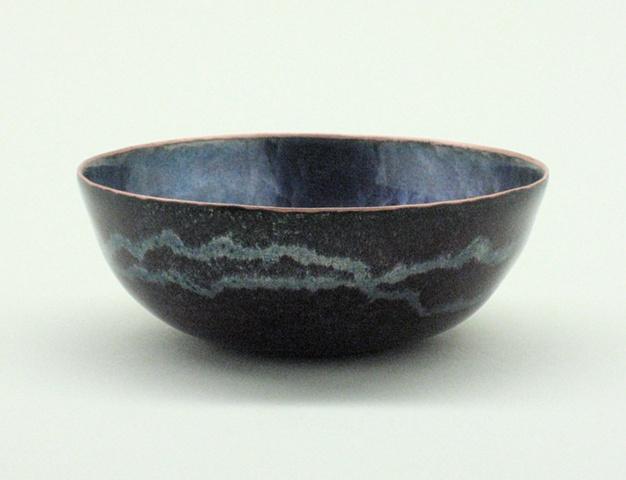 Hammer texture bowl.