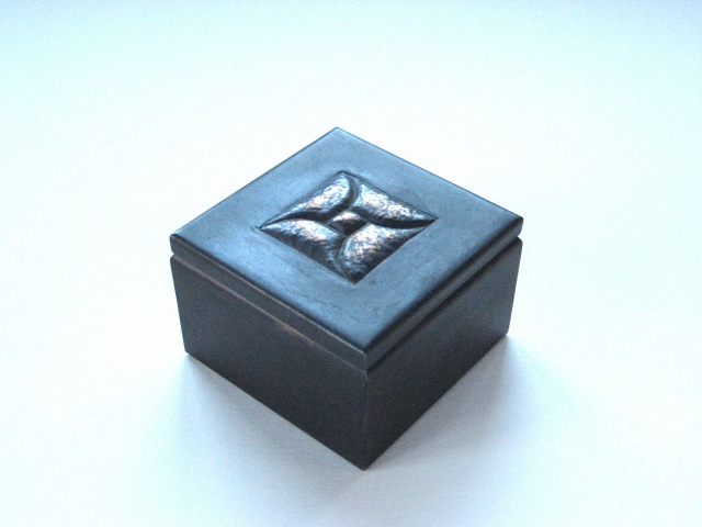 "3"" Square Box With Square Design"