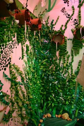 Katzen Art Center, Green Room, installation by David Waddell