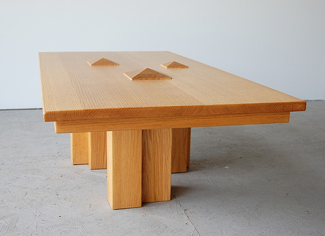 Oak Pyramid Table