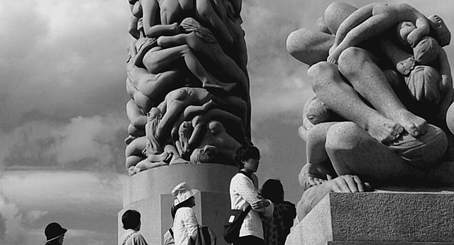 B&W photo of Tourists at sculpter park Oslo Norway