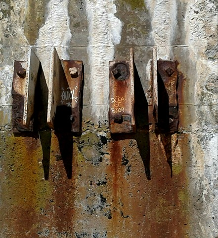 Color photo, abstract, rusted brackets