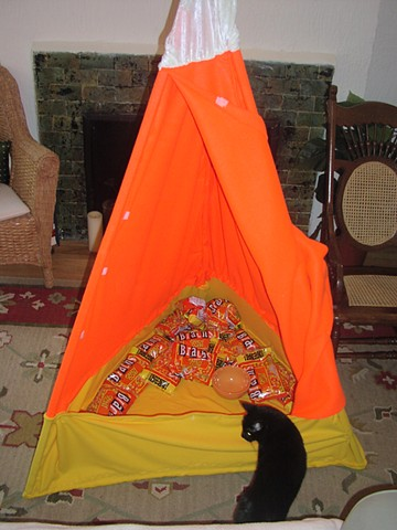 SPECIAL HUT FOR CANDY CORN EATING