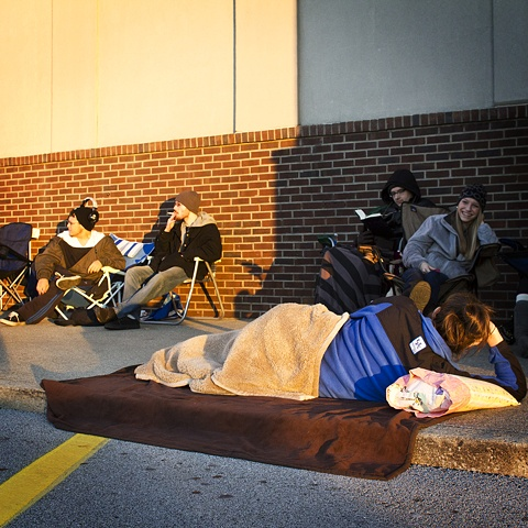 Black Friday, Waiting for Best Buy to Open