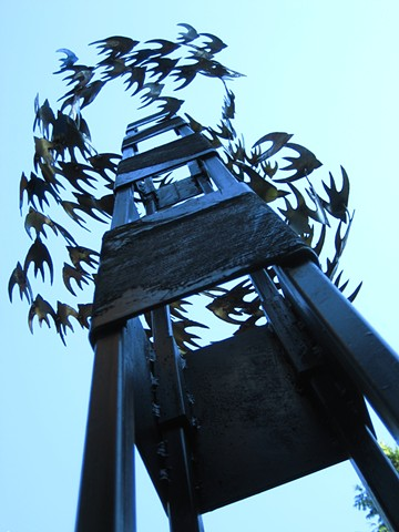 Public art, City of Issaquah sculpture, contemporary totem steel sculpture, abstract