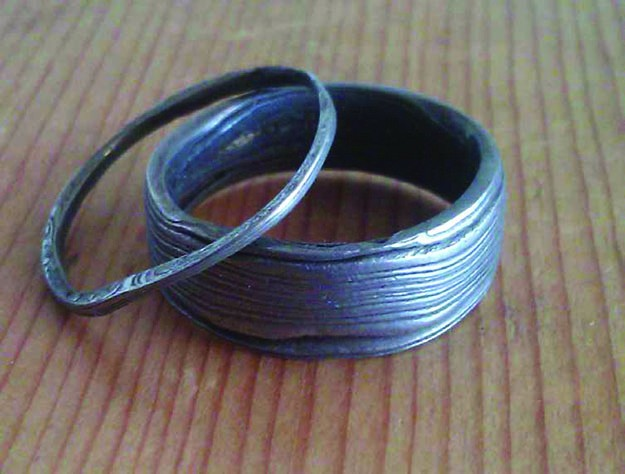junkyard damascus steel rings.