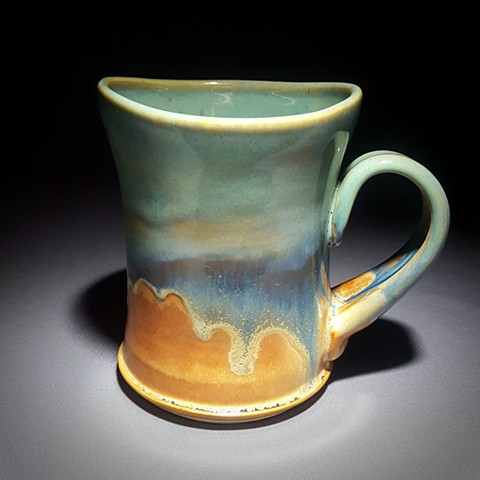 Item DV102 Short Wavy Mug in Turquoise & Red Gold
