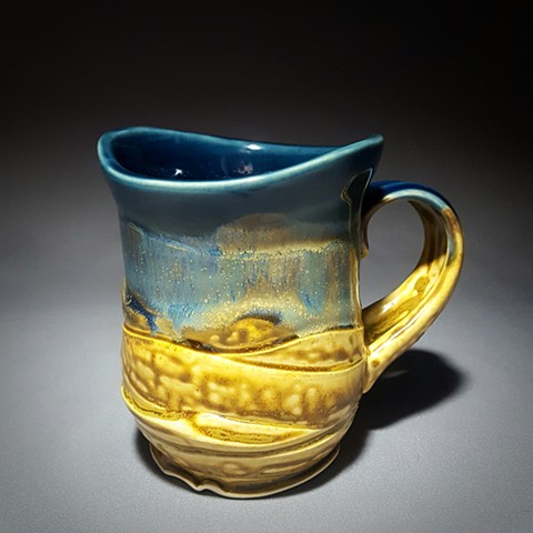 Item DV107 Wavy Textured Mug in Storm & Buff