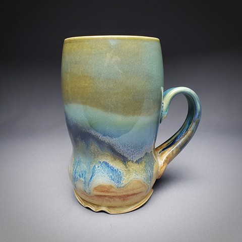 Item DV117 Waisted Mug in Turquoise & Red Gold