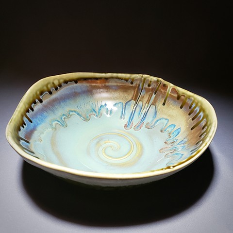 Item SD108 Wavy Serving Dish in Turquoise & Buff