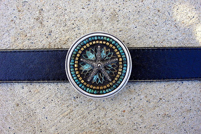 Mosaic belt buckle