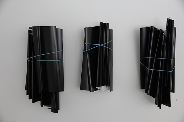 FOLD 1, 2, 3, 2017 (Aluminum, elastic bands). Private Collection