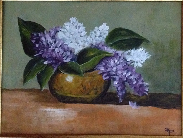 Lilacs in bowl