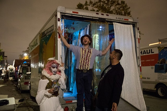 Mad Hatter Tea Truck by Lance Pawling and Eddie Rubeiz | Photo by Walter Wlodarczyk