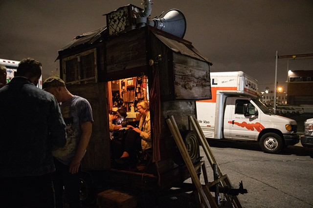 Hobo Roadshow by Dirby Luongo | Photo by Walter Wlodarczyk