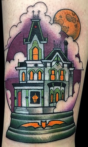 Haunted House Snowglobe