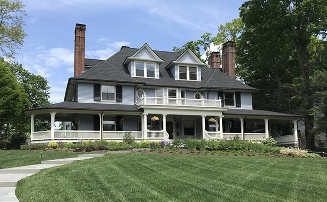 Wright Robinson Architects. Historic District. Addition. Renovation. Colonial Revival. Porch.