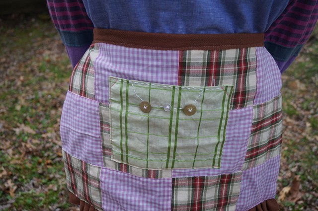 Quilted Half-Apron and Collar set (apron detail)