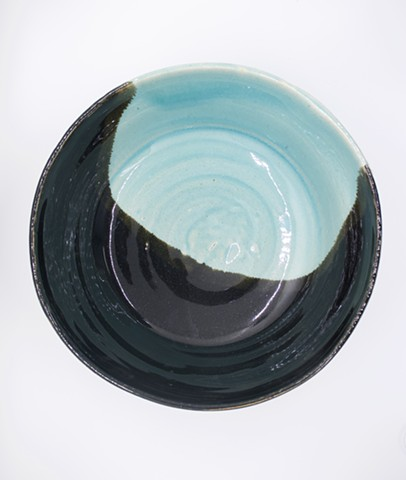 Contrasted Serving Bowl