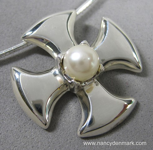 small sterling canterbury cross with pearl ©Nancy Denmark