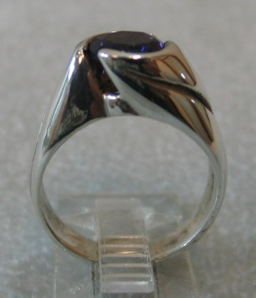 STERLING UP SWIRL RING WITH AMETHYST