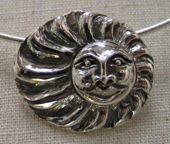 STERLING SUN FACE SLIDE PENDANT