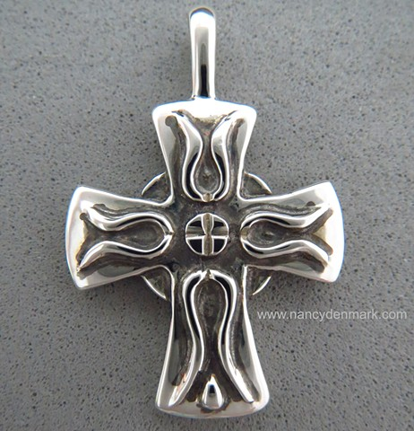 sterling silver small cross of Iona pendant © Nancy Denmark